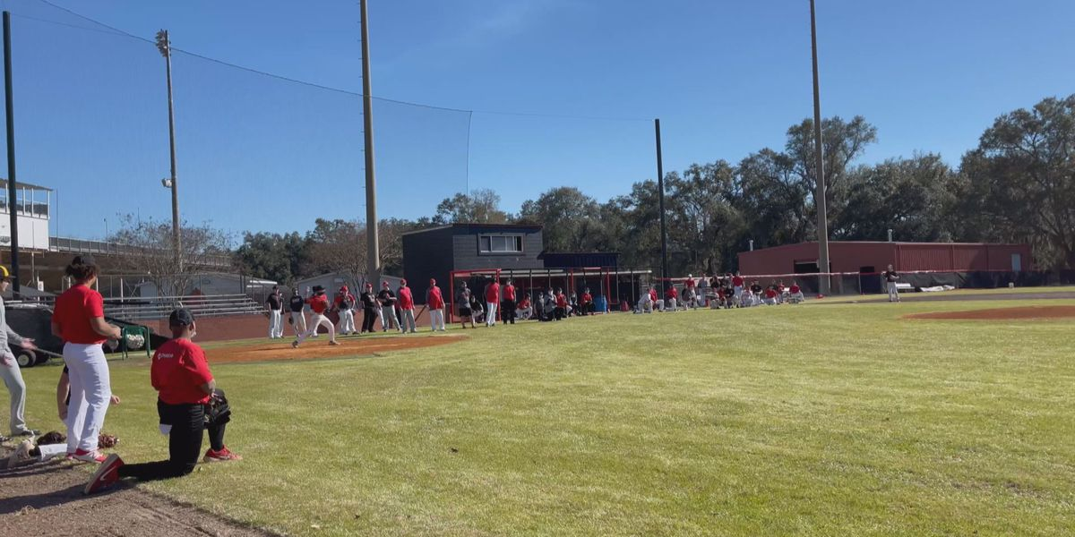 The Lee County Trojan's baseball team hit the field for the first day of practice