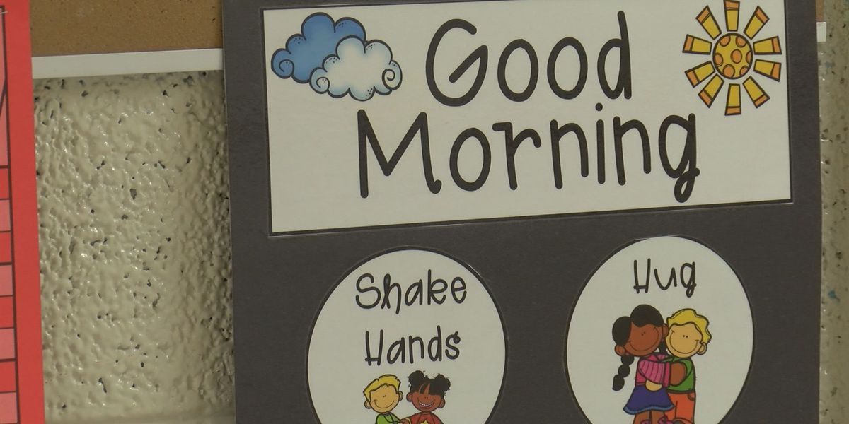 Tifton teacher goes viral with greeting video