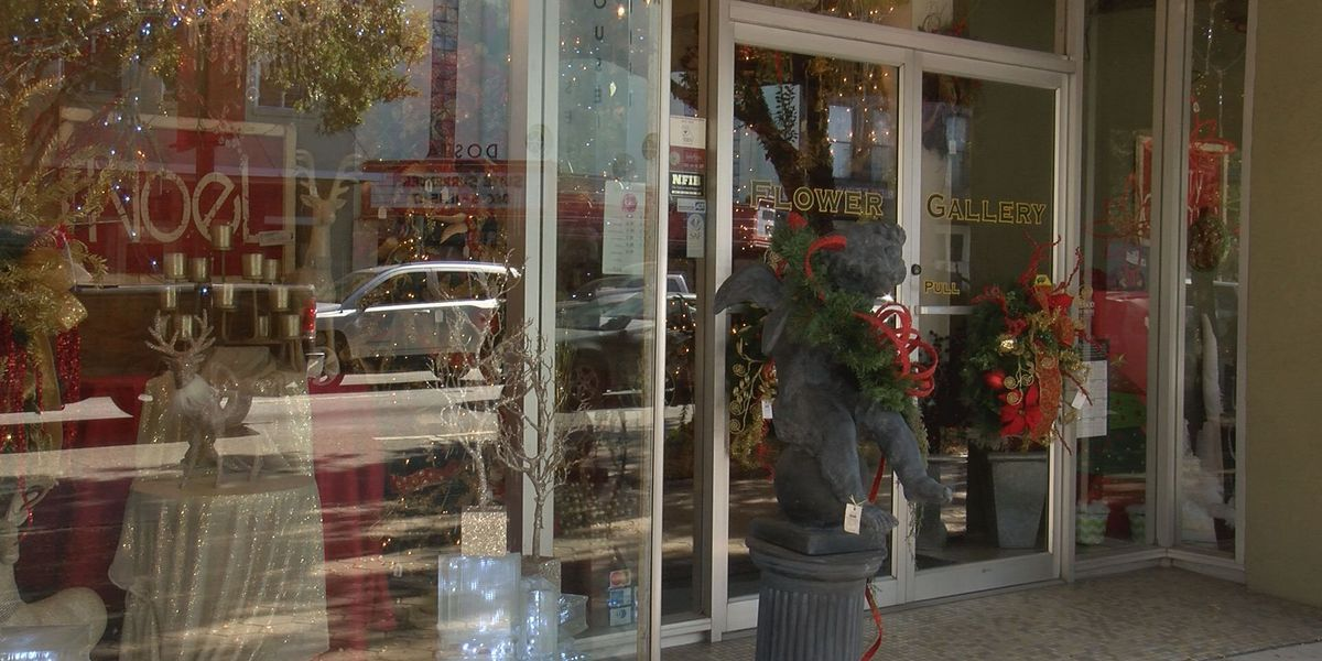 Downtown Valdosta prepares for the holidays