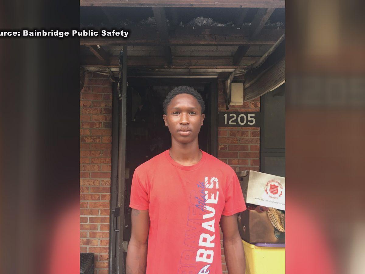 Teen saves 3 people from Bainbridge house fire
