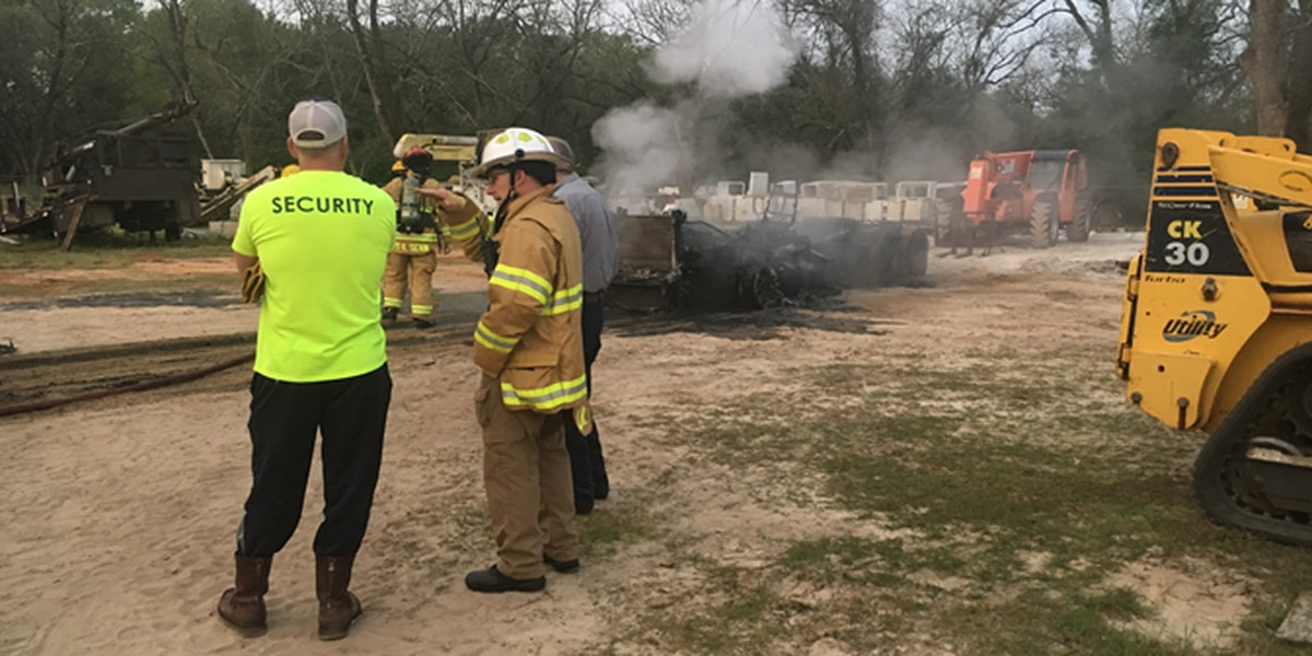 AFD crews put out business fire on Liberty Expressway