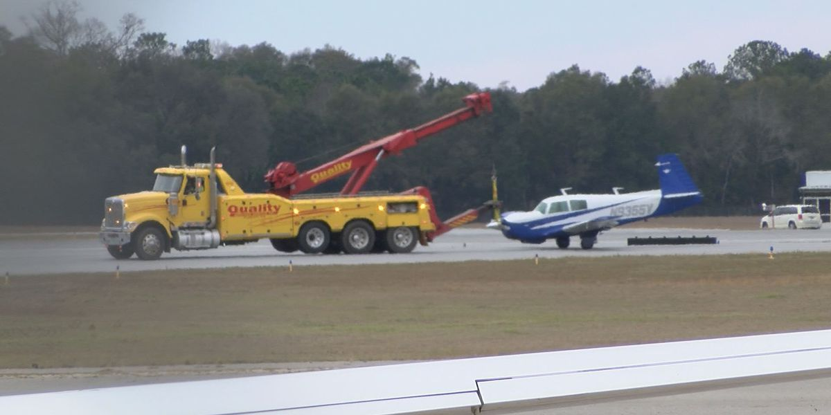Non-commercial plane's landing gear fails on SWGA Regional Airport runway