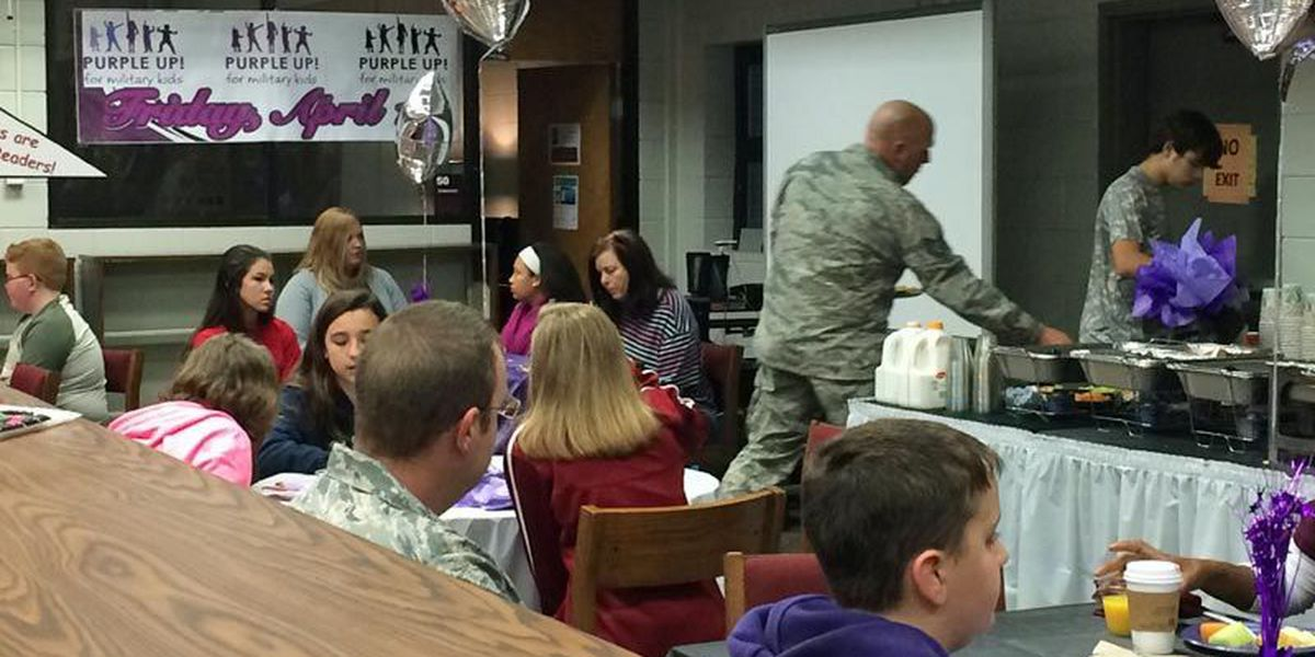 Military kids recognized in Lowndes Co.