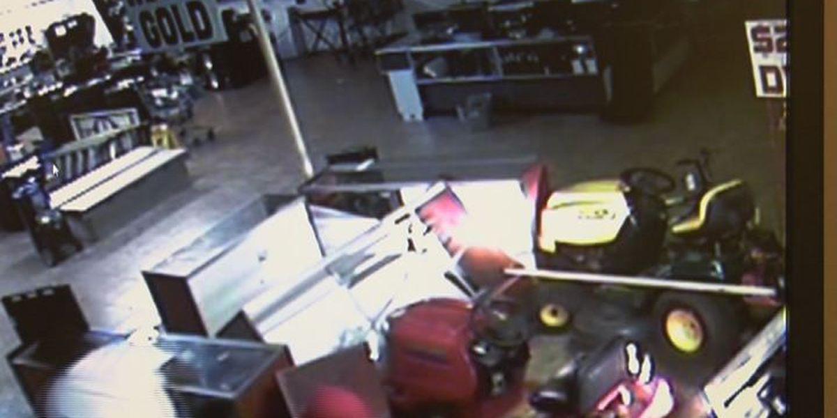 Suspects steal guns, leave getaway truck at burglary scene