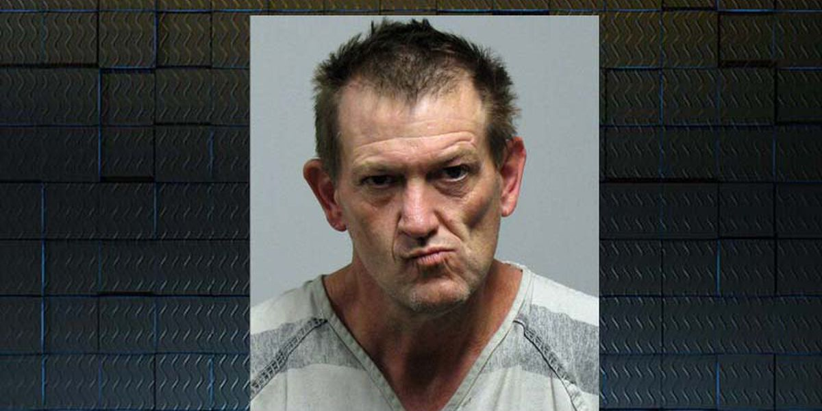 Tift man arrested after brief standoff