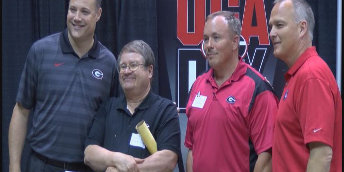 Richt, Fox visit Albany for UGA Day