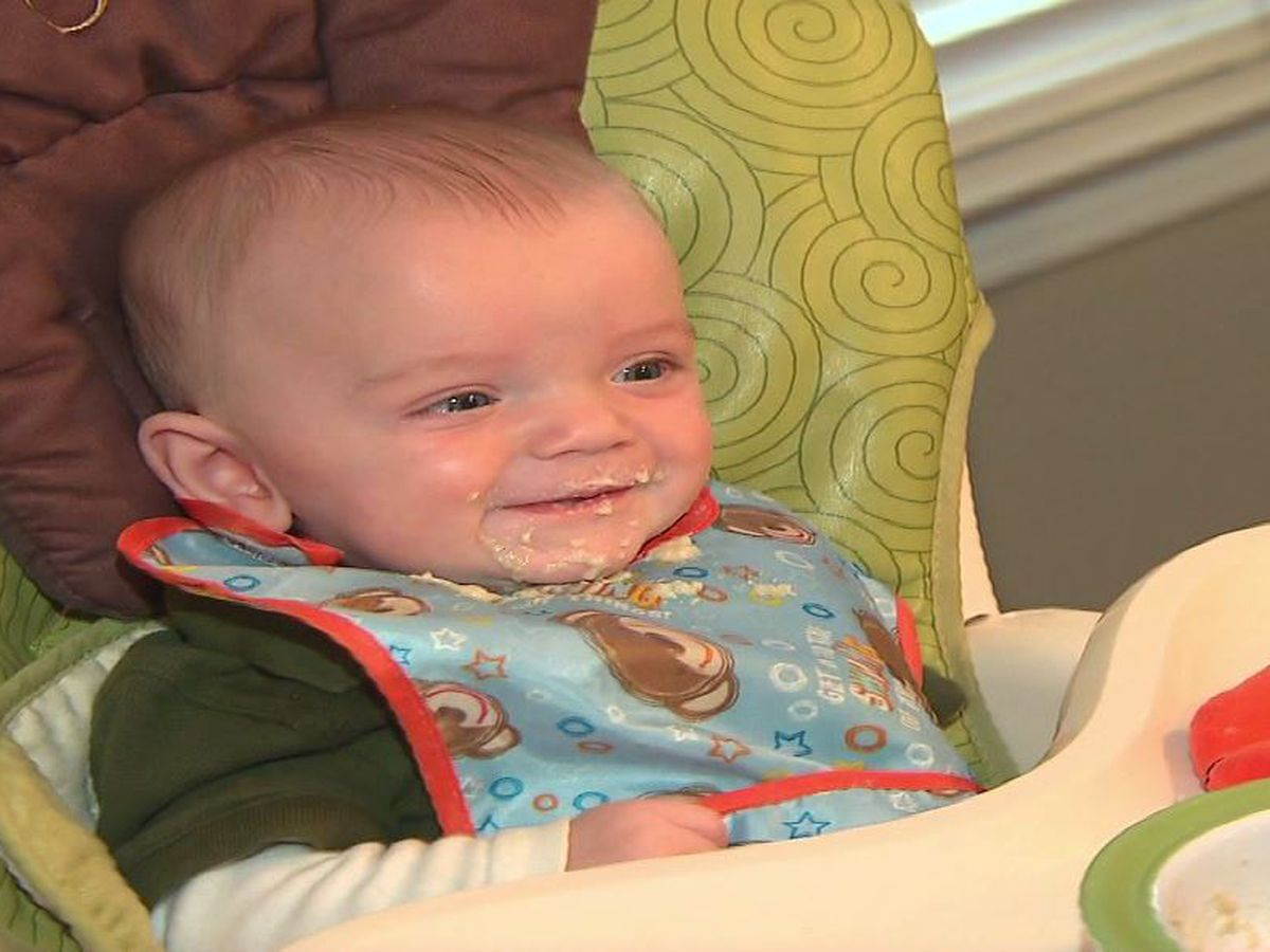Parents advised to avoid giving infants sugary foods by federal dietary panel