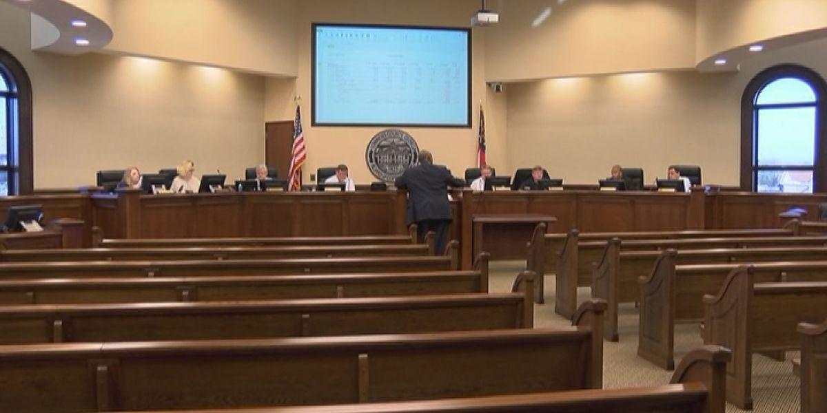 Commissioners to hold town hall