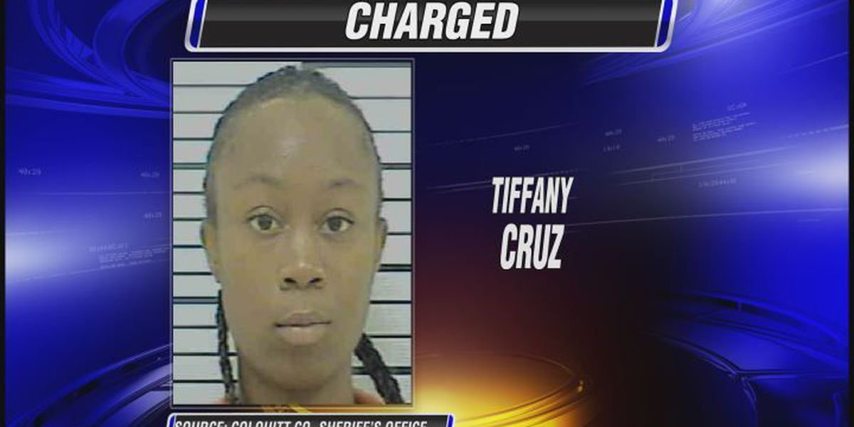 Moultrie woman charged with child molestation