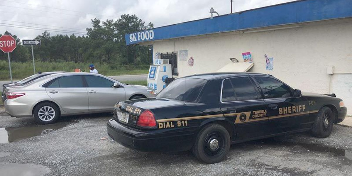 Suspect in custody after Dawson armed robbery