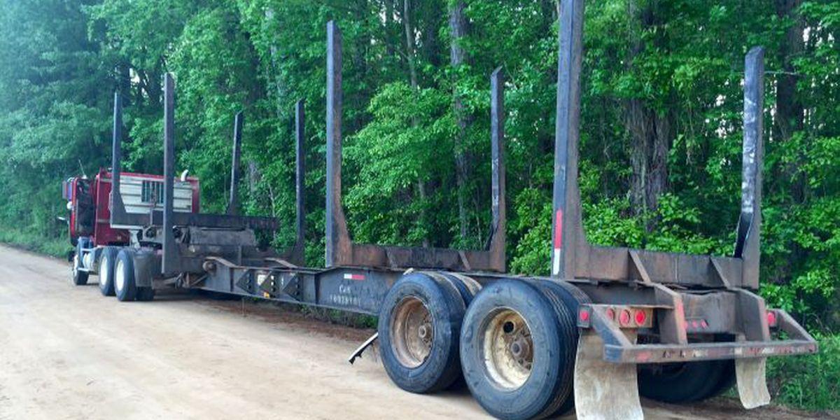 Crash blocks traffic in Grady County