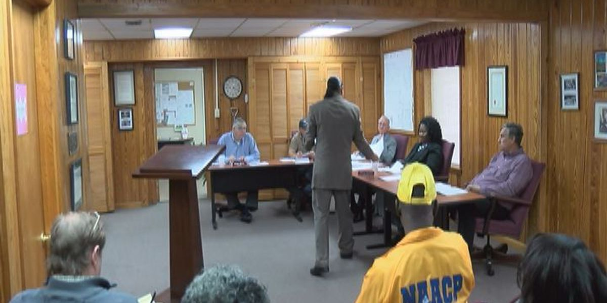 Civil rights group planning to sue Clinch Co. commission