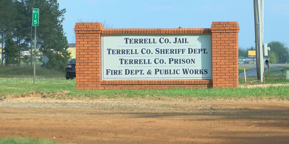 'Contraband' reported with contracted Terrell Co. inmates work in Sylvester