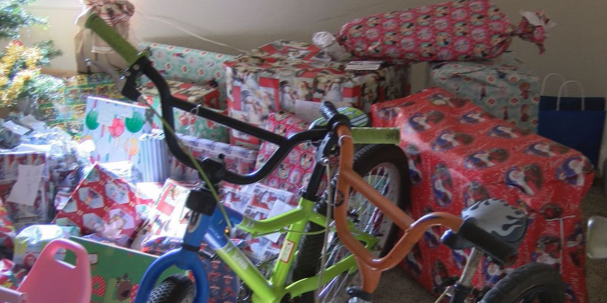 Local pastor gives toys to children in need