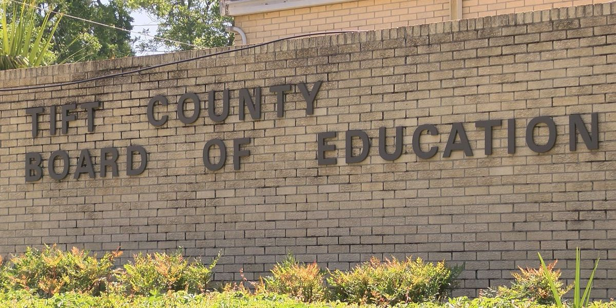 Tift Co. School Board wants teachers to focus on teaching, not guns