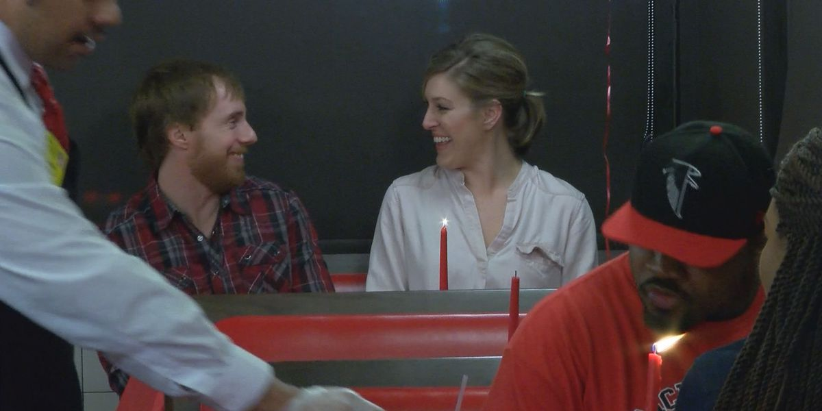 Waffle House offers romantic Valentine's Dinner meal
