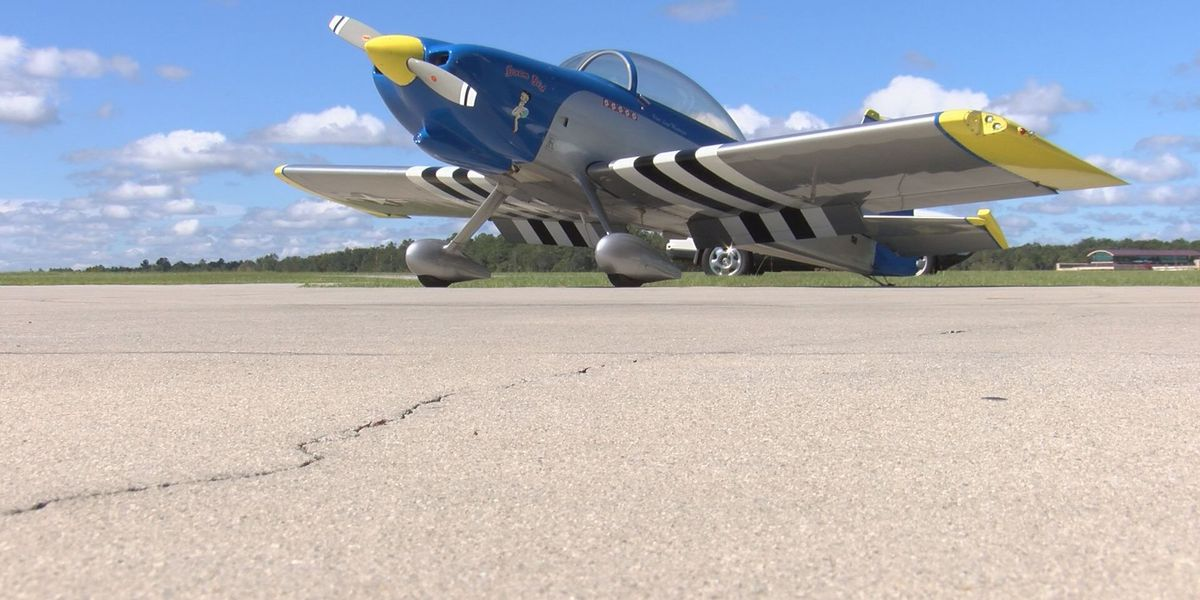 Man builds plane, flies mother around country