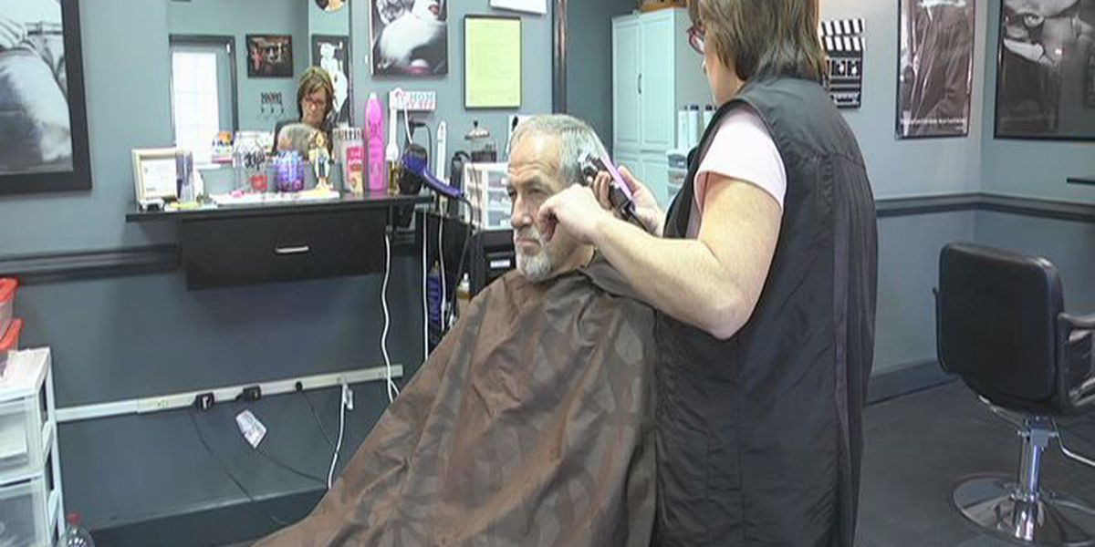 Lee County salon raises money for injured teenager