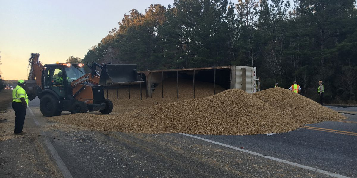 Peanut truck overturns on Thomasville intersection