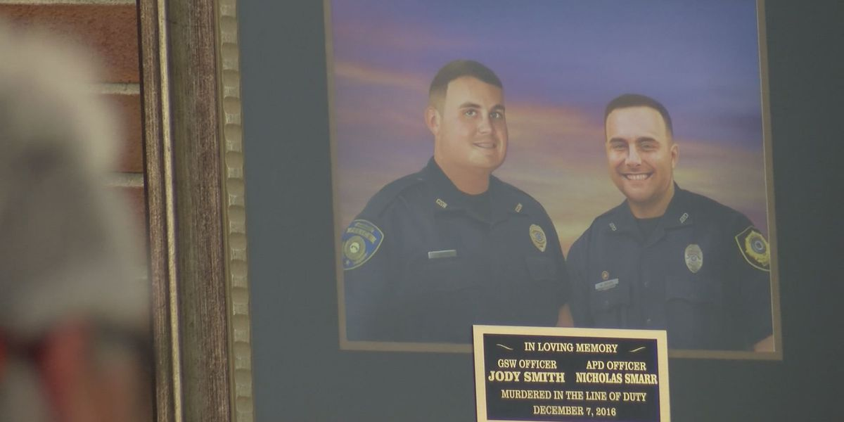 South GA officers write condolence letters after line of duty deaths in US