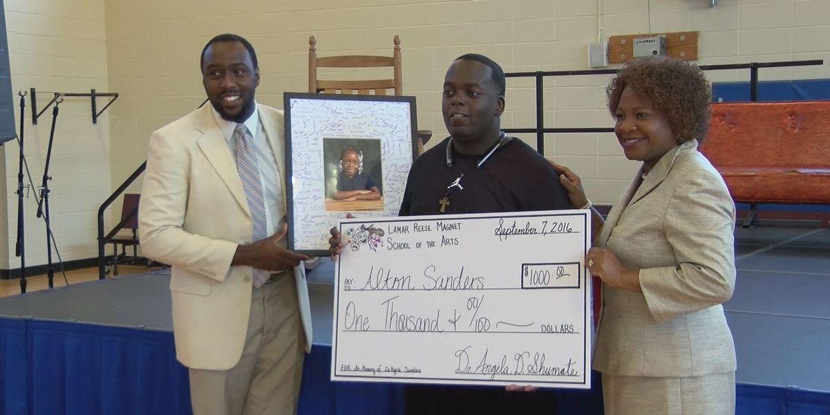 Students honor father of slain classmate