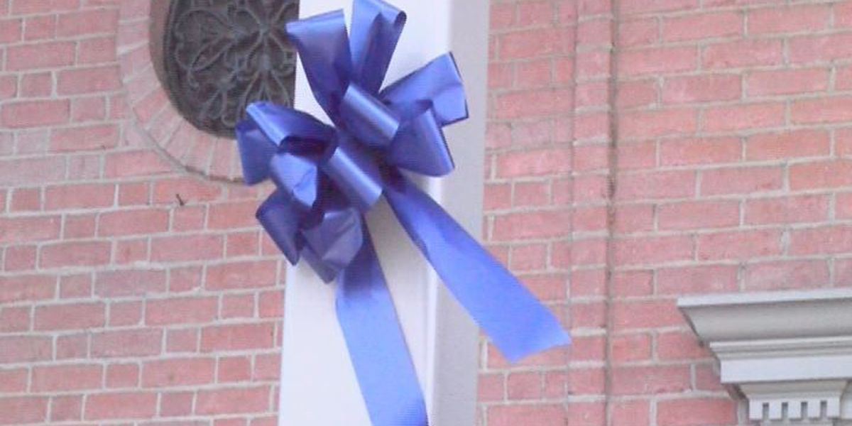 Blue bows support law enforcers in Cordele
