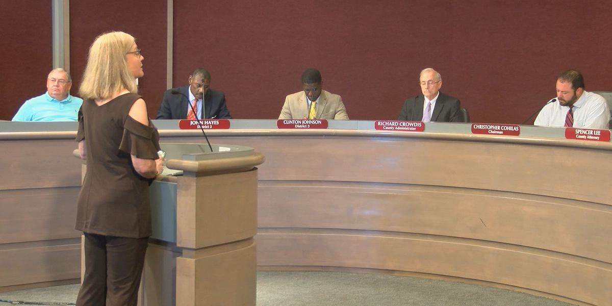 Dougherty Co. commissioners work to craft leaner 2018 budget