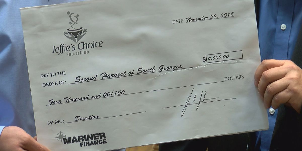 Mariner's Finance donates thousands to help those in need