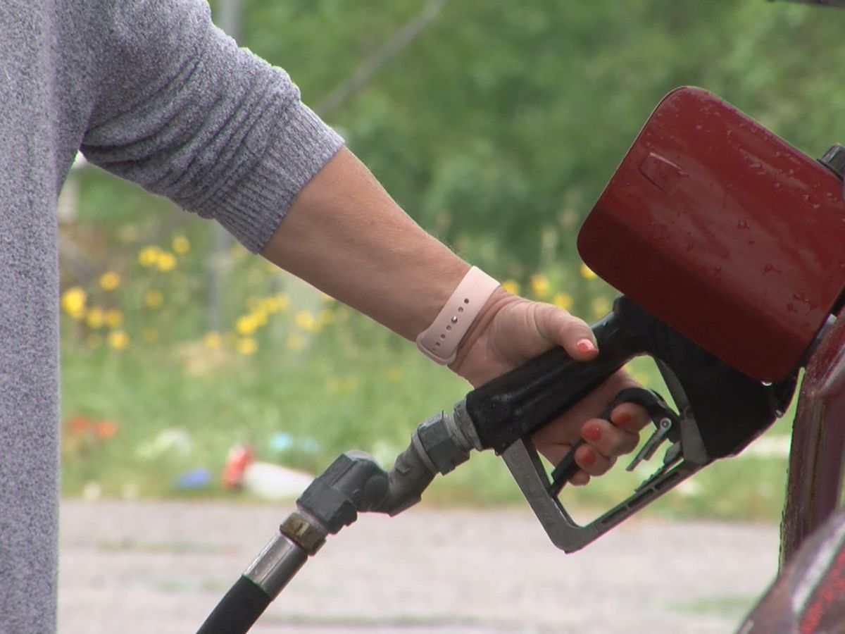 Kemp temporarily suspends state gas tax