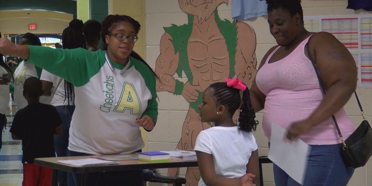 Alice Coachman teachers welcome students & parents at open house