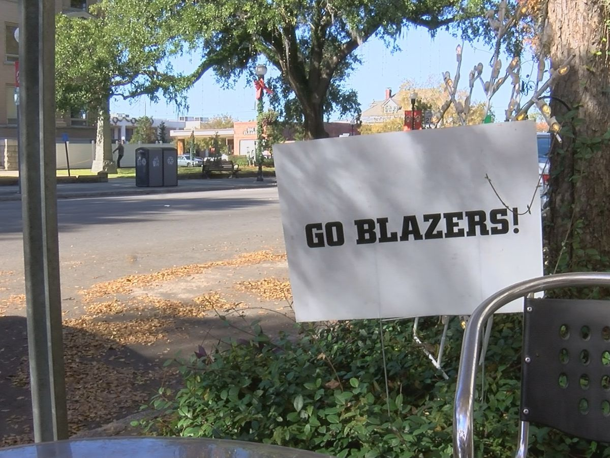 Valdosta paints the town black and red with Blazer pride