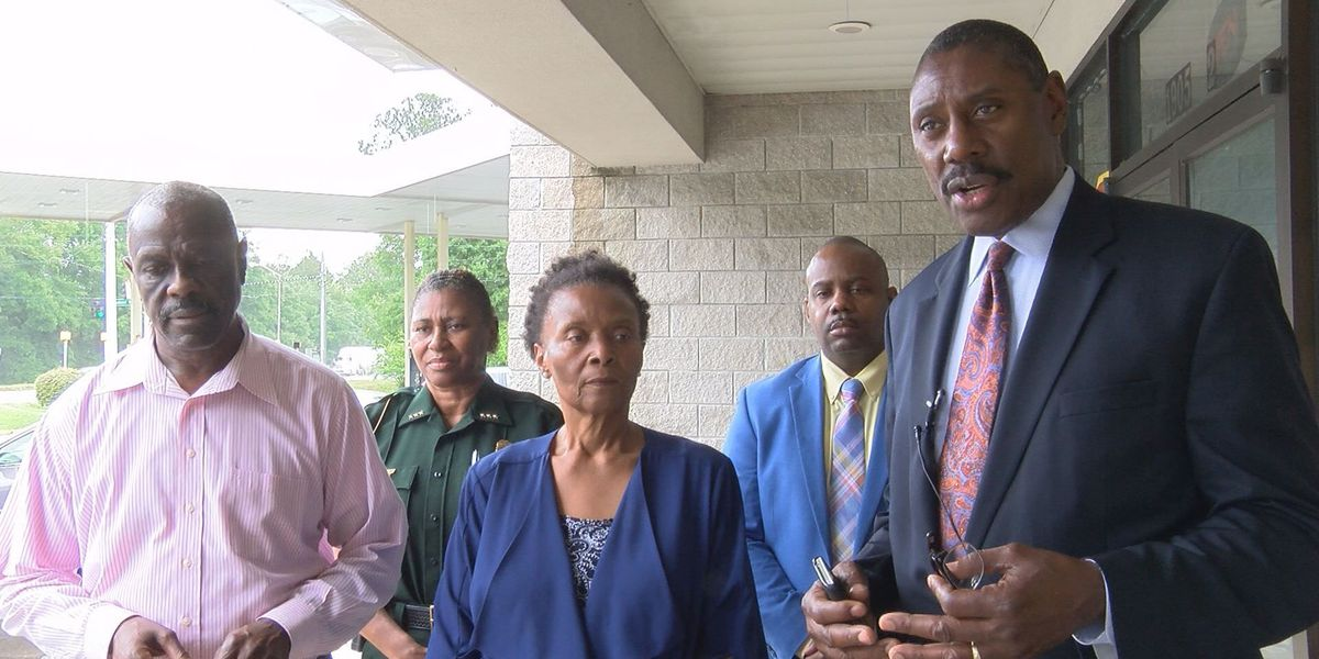 Albany leaders urge residents to put guns down