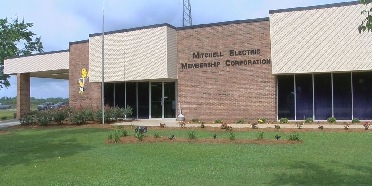 Mitchell EMC recognized for hard work during storms