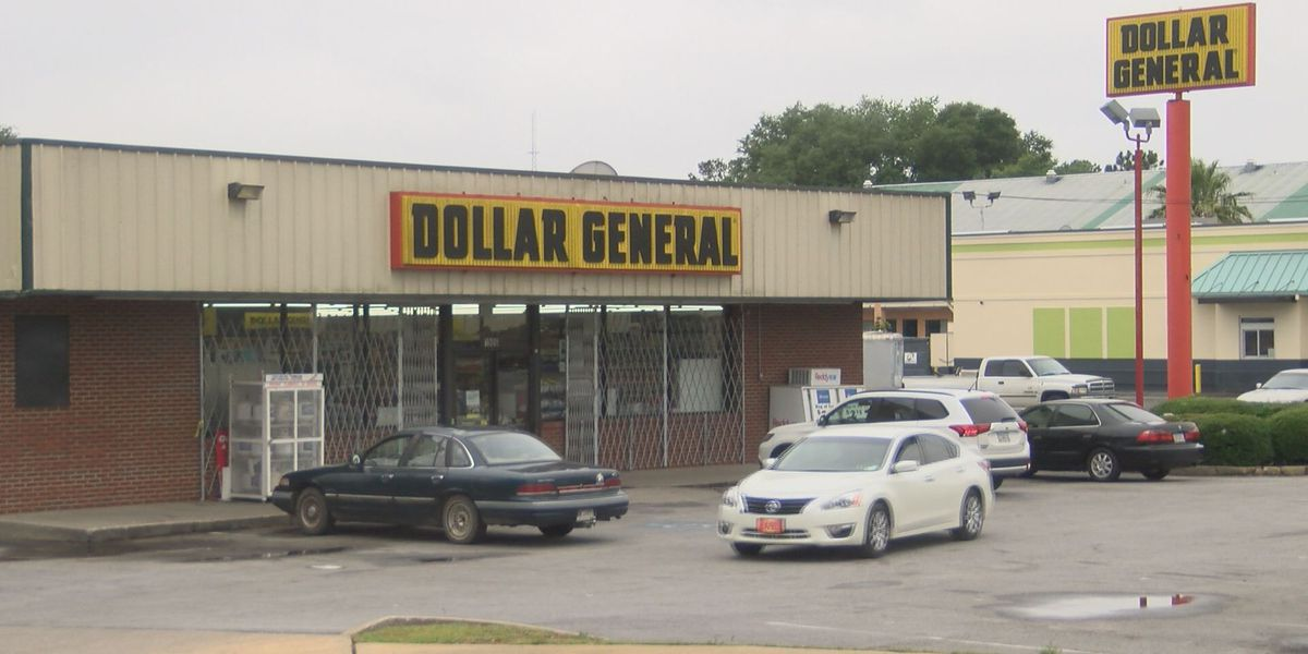 Police search for gunman after attempted robbery