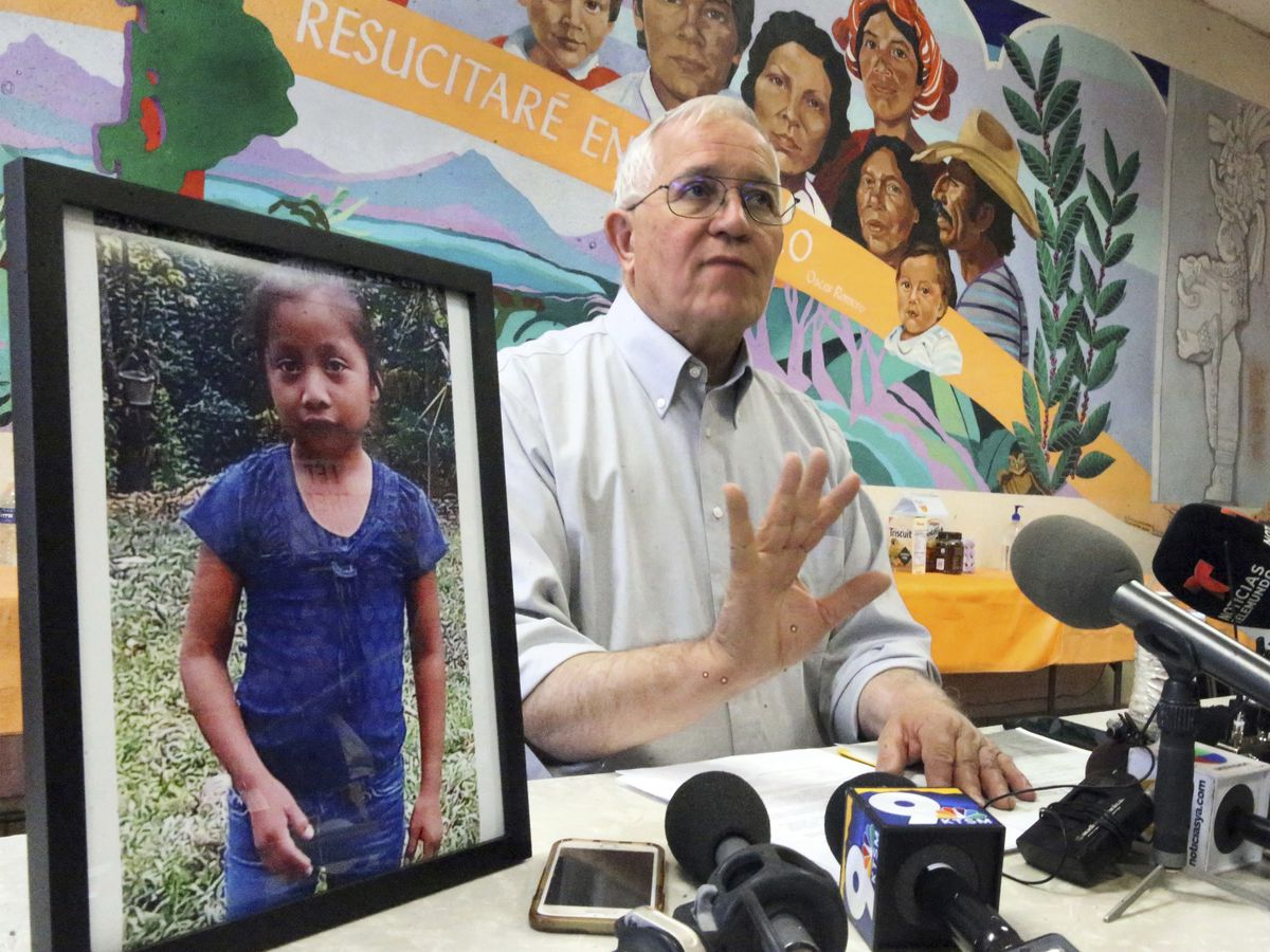 Father of 7-year-old girl who died in border detention center disputes gov't account