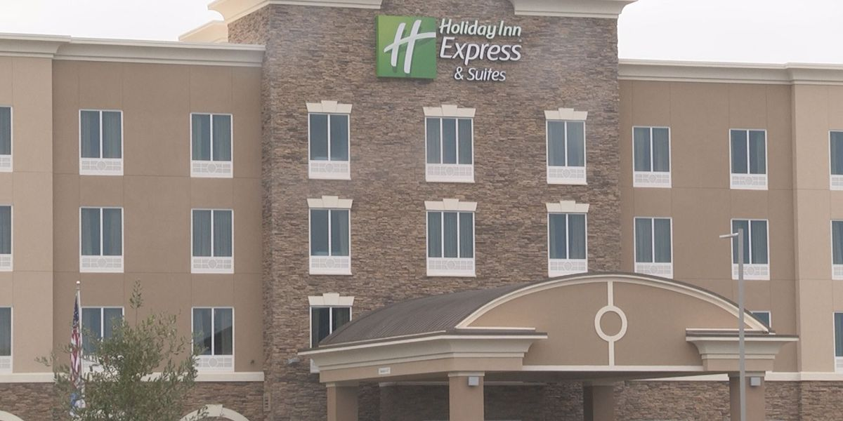Albany hotel offers discount for flood victims