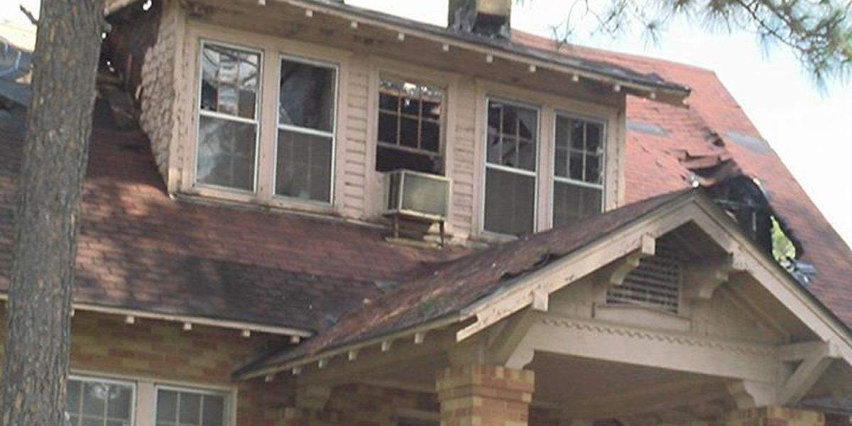 Dawson residents react to old funeral home fire