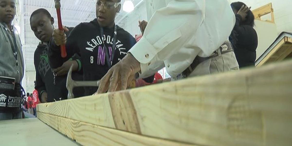 Students get hands-on look at construction careers