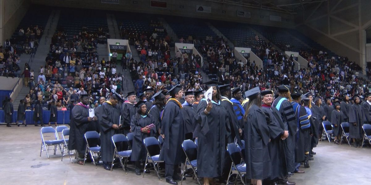 Albany Tech Fall commencement sends hundreds into workforce