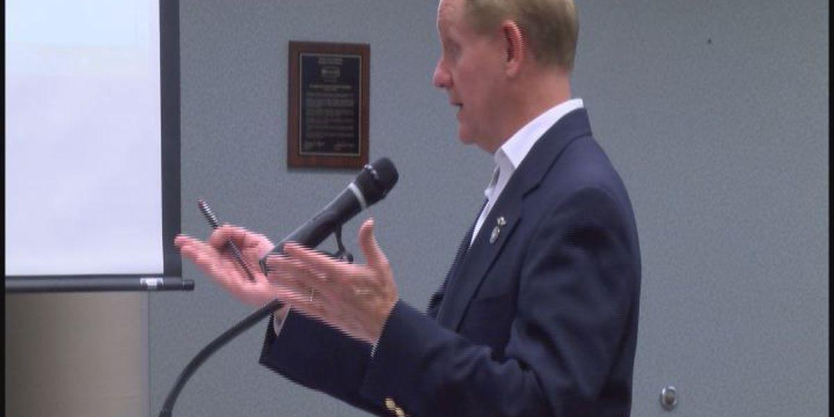 Rep. Ealum gives legislative report to DCSS