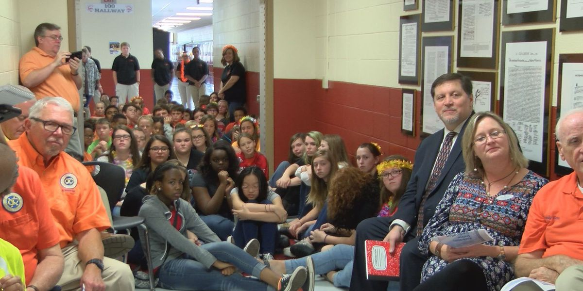 Exchange Club donates Freedom Shrine to Lee County middle school east
