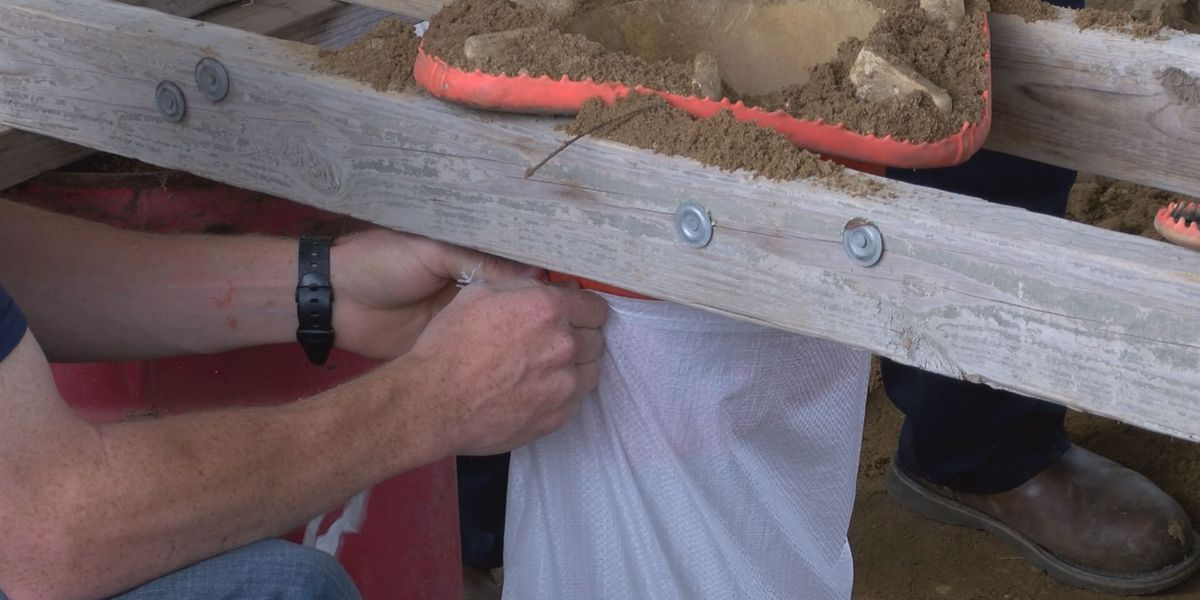 Sylvester Public Works fills more sandbags