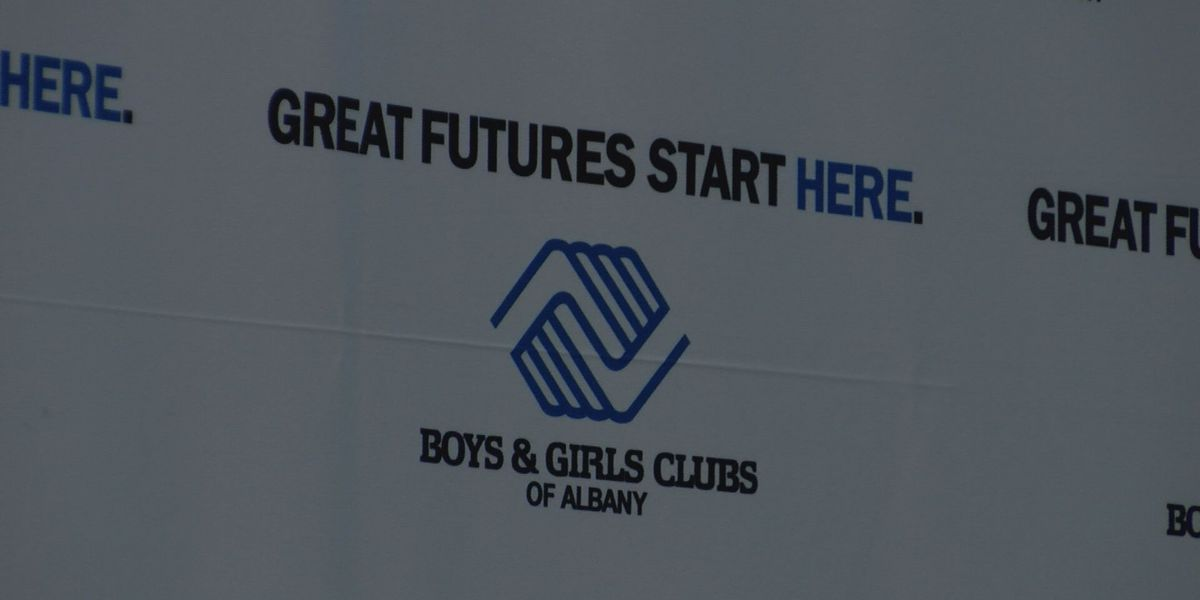Ricardo Lockette and Steve Largent recognized by Boys & Girls club