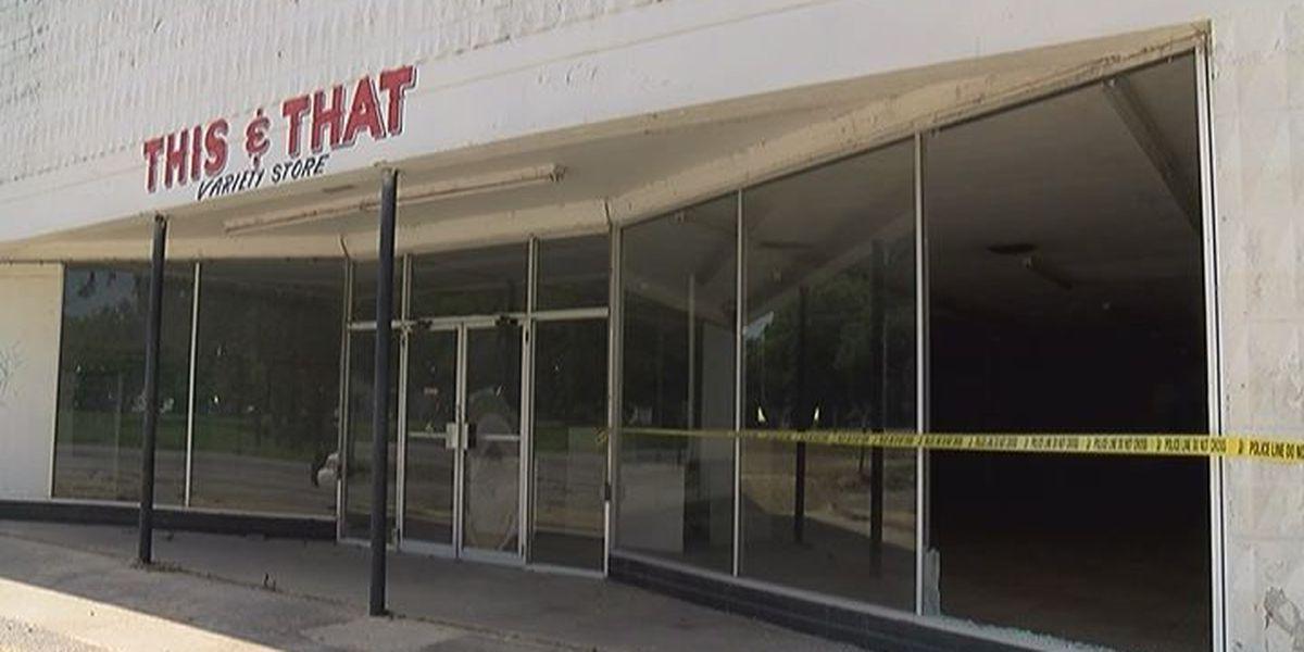 Vandals destroy Ocilla storefronts