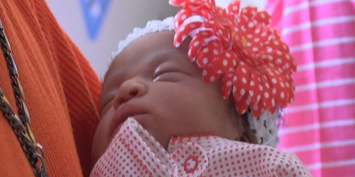 Valdosta welcomes first baby of 2015