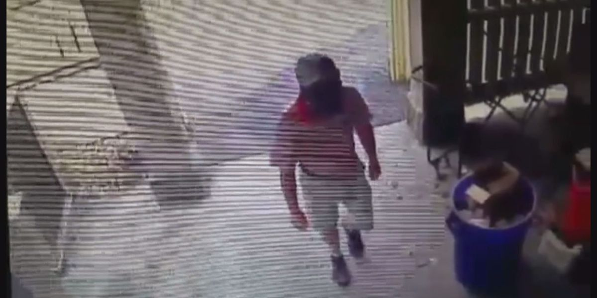 Fitzgerald police ask for public's help identifying country club crook