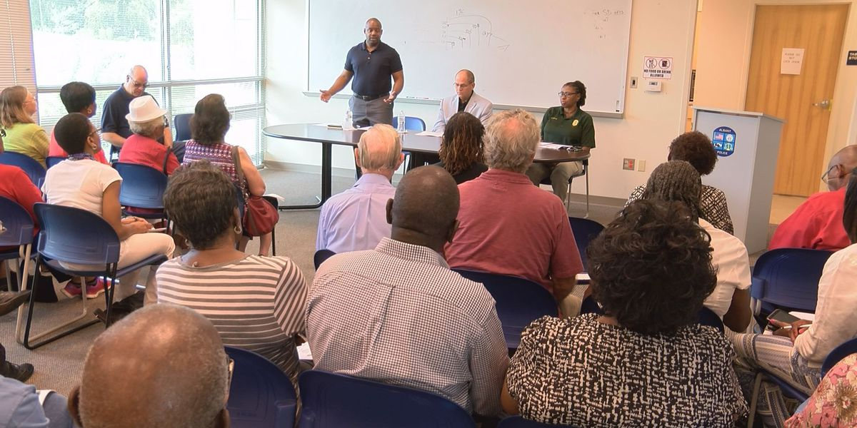 Town Hall discusses public safety and crimes