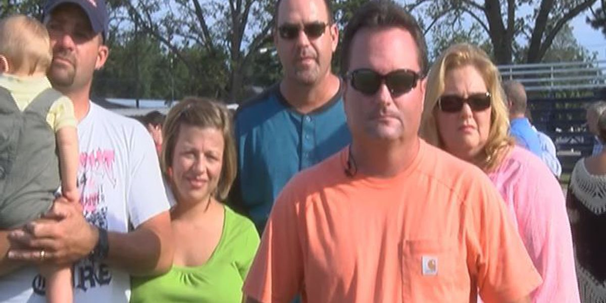 Prayer vigil held for family who died in Early County crash