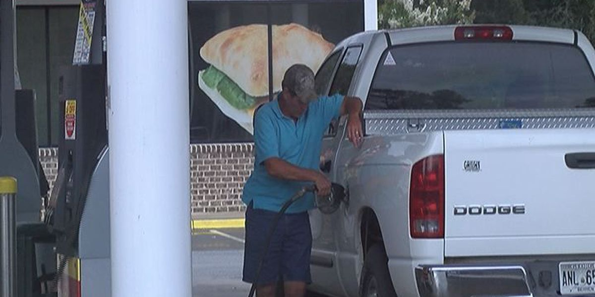 Low gas prices remain through Labor Day weekend