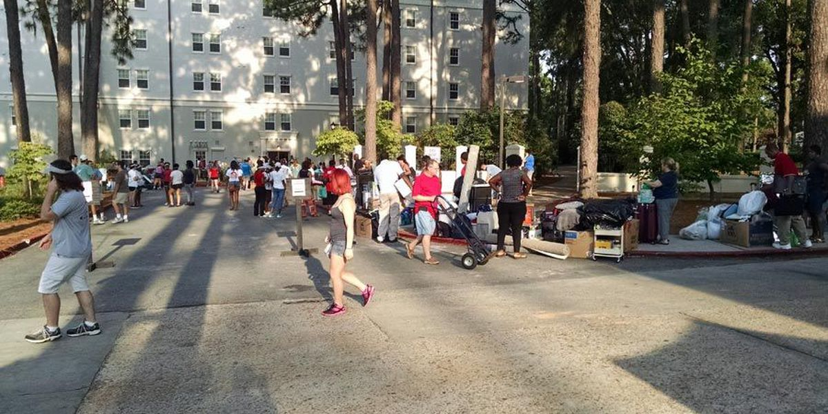 Students start their move-in at Valdosta State